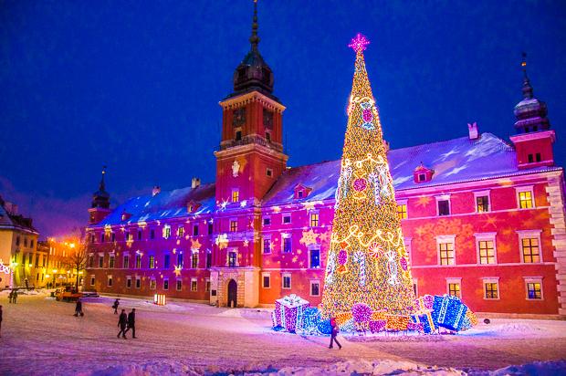 Warschauer Königsschloss im Winter
