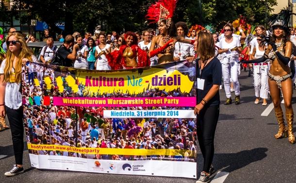Multikulturelles Straßenfest in Warschau