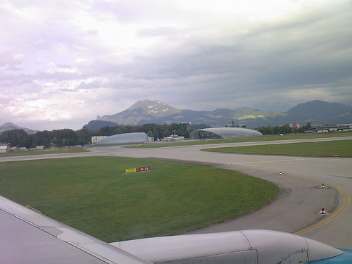 airport salzburg photo