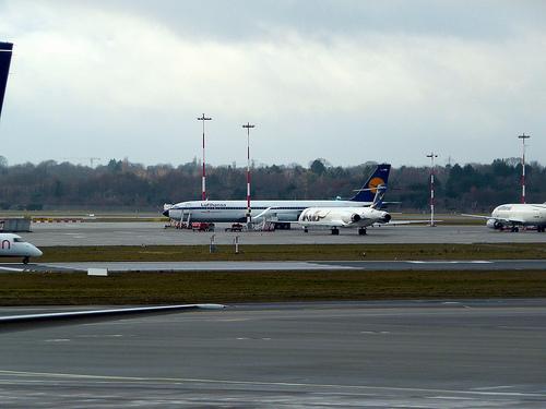 hamburg airport photo