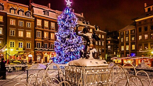 Marktplatz im Winter Warschau