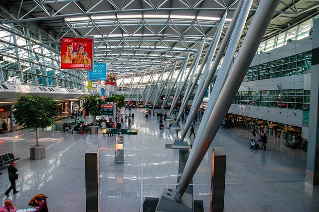 Flüge vom Düsseldorf Flughafen nach Warschau